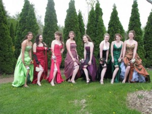 Check out that prom pic!!