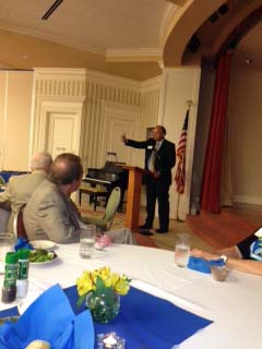 Augustana President Steve Bahls addresses alumni at the Naples tour stop.