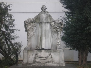 Gregory Mendel Statue